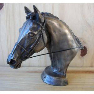 Tête cheval avec filet et rênes