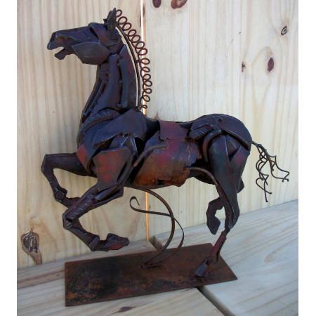 Sculpture cheval cabré en métal