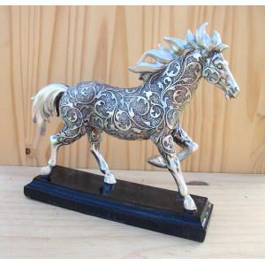 Cheval baroque argenté