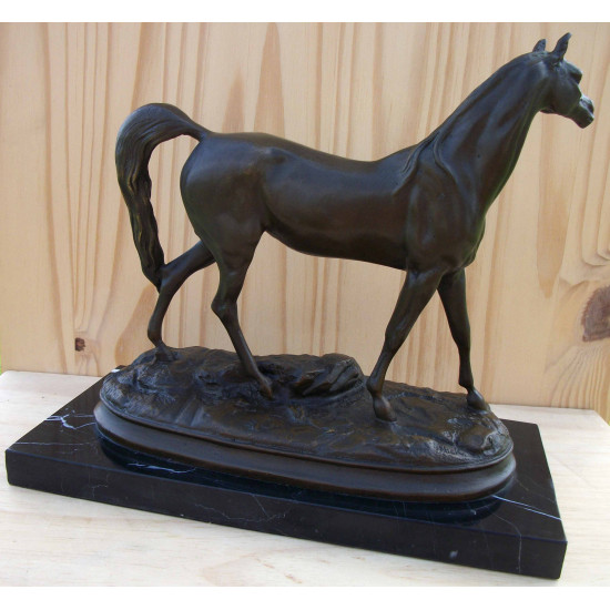 Cheval arabe en bronze