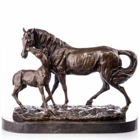 Sculpture en Bronze Poulinière et son poulain debout