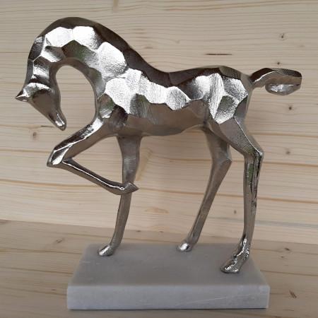 Sculpture poulain en métal argenté...